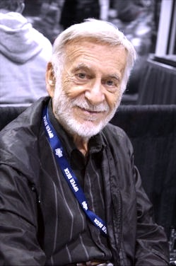 English: Jerry Robinson at Comic Con Internati...