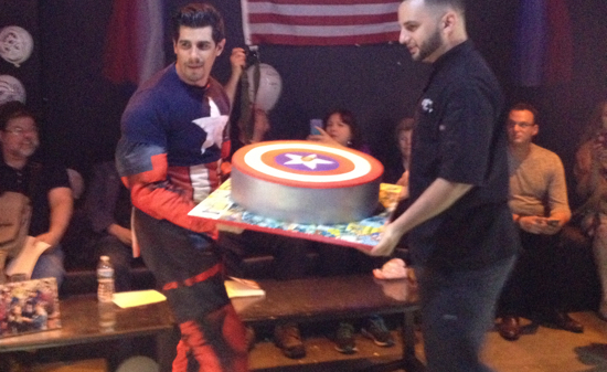 Gruenwald Party Cake Boss with Cake